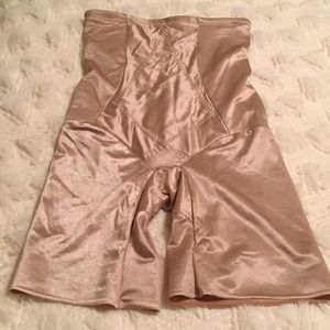 Shapewear! Nude color. Excellent condition!